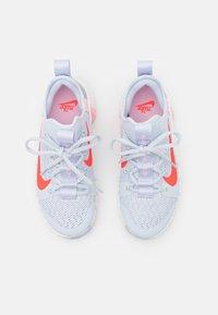 Nike Performance - FREE METCON 3 - Sports shoes - football grey/bright crimson/summit white/arctic punch/metallic silver - 3