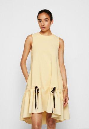 FLOUNCE HEM SHIFT DRESS - Cocktail dress / Party dress - butter yellow