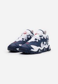 Nike Sportswear - AIR BARRAGE  - Sneakers laag - midnight navy/white/university red/vast grey - 1