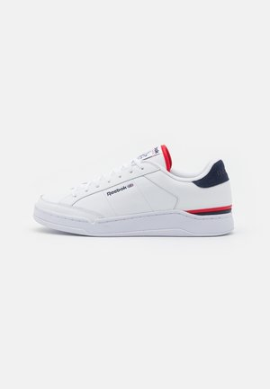 AD COURT UNISEX - Zapatillas - footwear white/vector navy/vector red