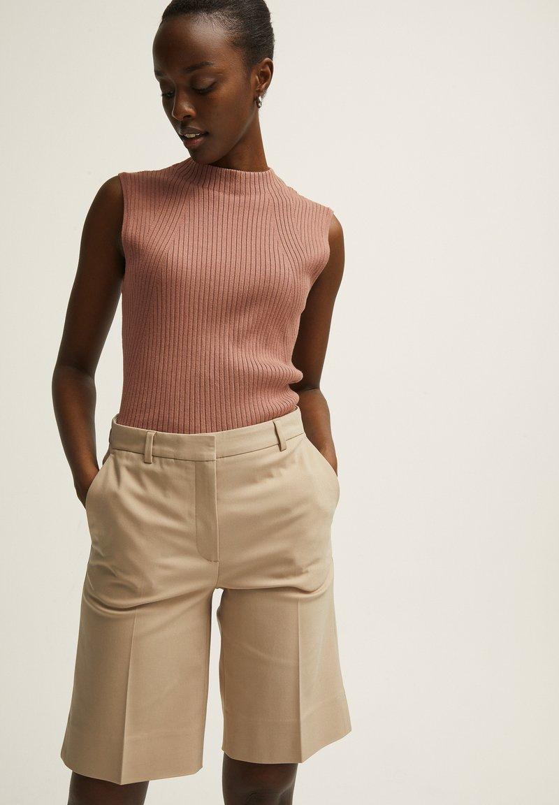 STOCKH LM - Shorts - beige