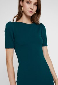 Dorothy Perkins - PUFF SLEEVE BODYCON - Etuikjoler - green - 4