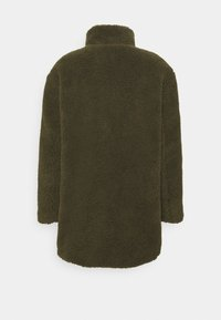 Vero Moda - VMNORTH TEDDY JACKET - Classic coat - ivy green - 1