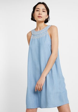 MIDI DRESS - Sukienka jeansowa - blue light wash
