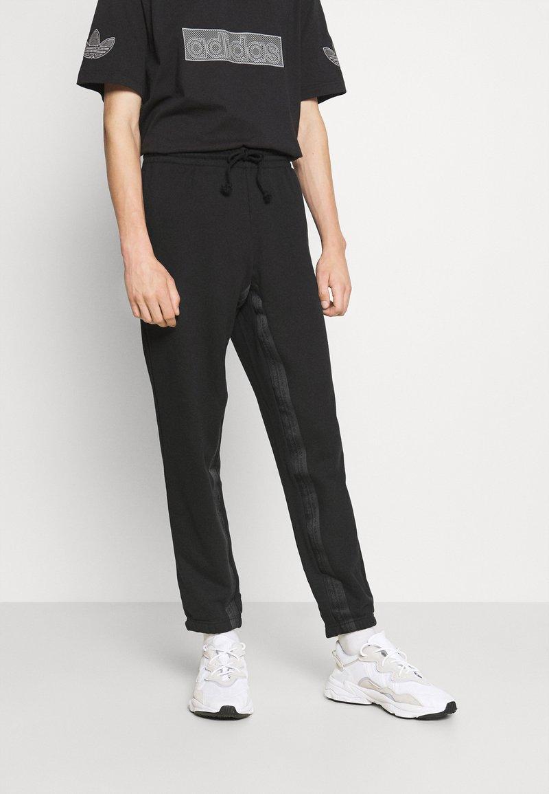 adidas Originals - R.Y.V. SWEATPNT ORIGINALS PANTS - Tracksuit bottoms - black