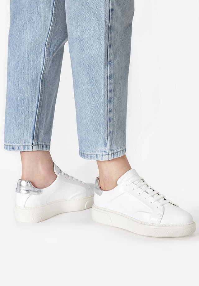 Sneakers laag - white-silver whs