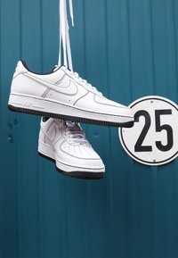 Nike Sportswear - AIR FORCE 1 STITCH - Zapatillas - white/black