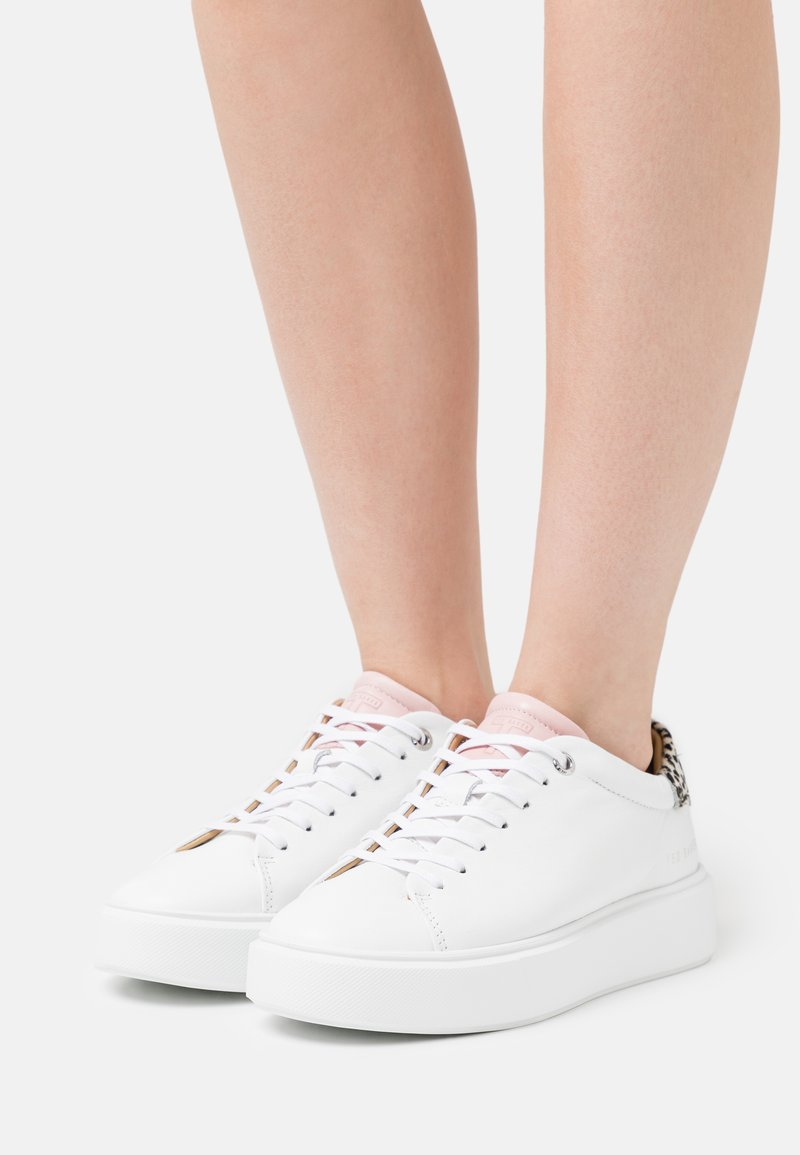 Ted Baker - PIIXIEE - Baskets basses - white