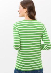 BRAX - STYLE CARINA - Long sleeved top - green - 2