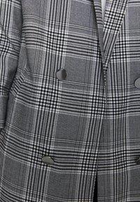PULL&BEAR - Krátký kabát - grey - 5