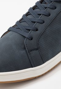 Madden by Steve Madden - BLITTO - Trainers - navy - 5