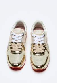 Pepe Jeans - VERONA W VERSUS - Trainers - gold - 1