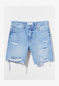 Bershka - Shorts di jeans - light blue - 4
