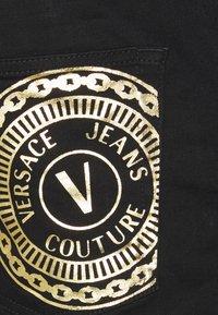 Versace Jeans Couture - RINSE - Jean slim - black - 8