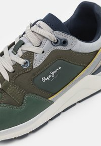 Pepe Jeans - X20 MONOCHROME  - Sneakers - khaki green - 5