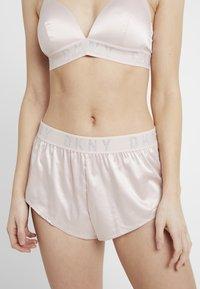 DKNY Intimates - TAP PANT - Pyjama bottoms - blossom/silver - 0