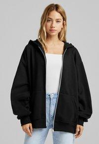 Bershka - OVERSIZE - Zip-up sweatshirt - black - 0