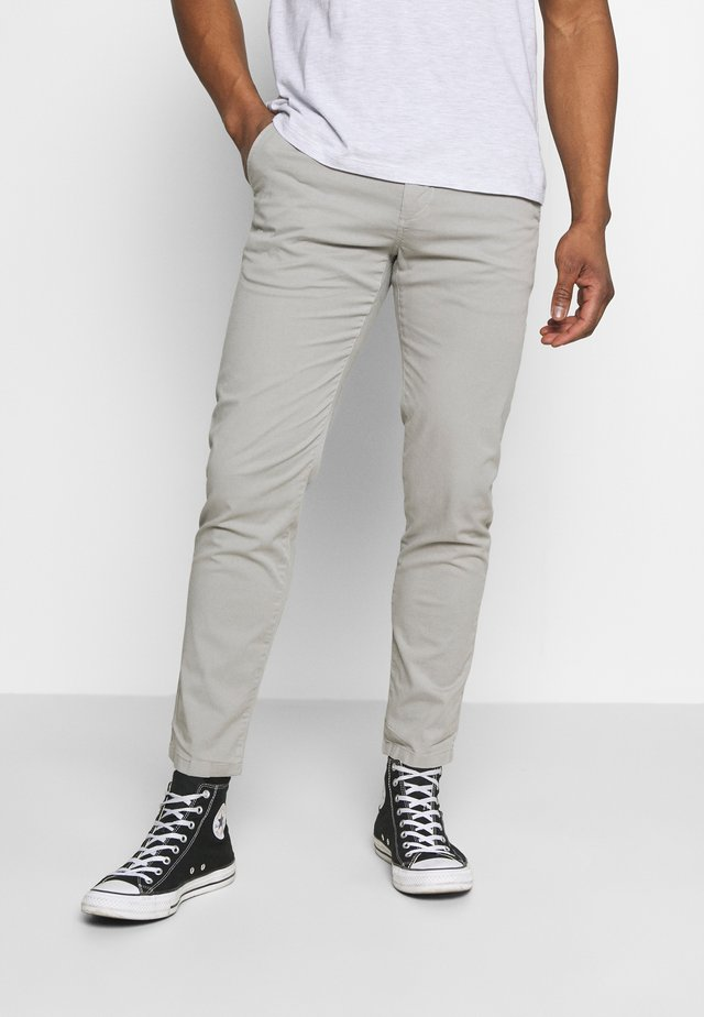 CHUCK REGULAR PANT - Chino - alloy