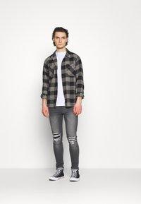 274 - PATCH - Skinny džíny - grey - 1
