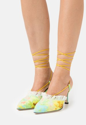 SCARPA DONNA WOMAN`S SHOES - Richelieus - yellow