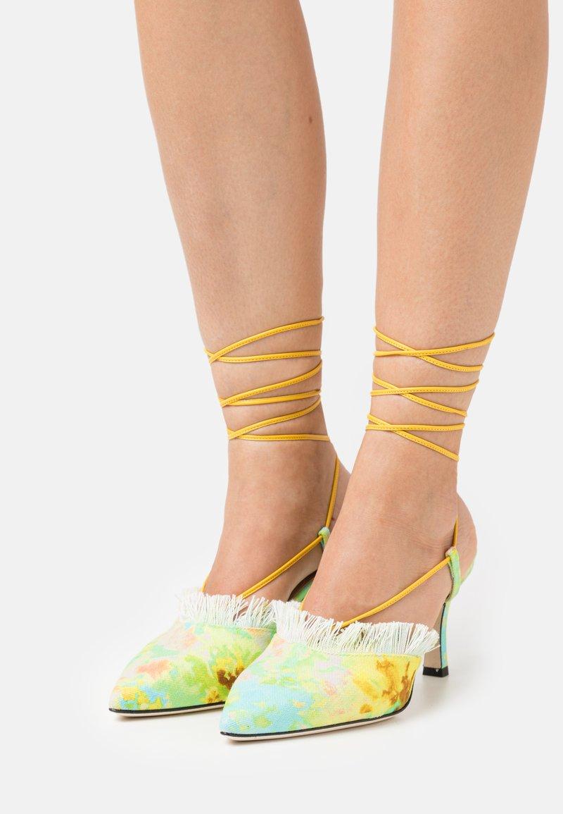 MSGM - SCARPA DONNA WOMAN`S SHOES - Richelieus - yellow