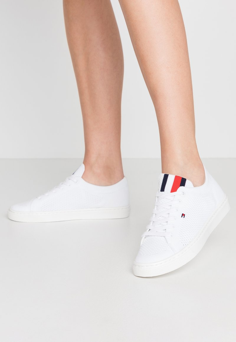 Tommy Hilfiger - LIGHTWEGHT CASUAL  - Trainers - white