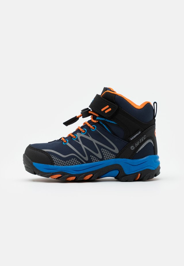 BLACKOUT MID WP JR - Trekingové boty - navy/orange/lake blue