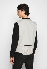 Nike Sportswear - VEST - Väst - stone - 2