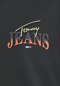 Tommy Jeans Plus - DIAMOND BACK LOGO TEE - T-shirt con stampa - black - 4