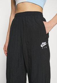 Nike Sportswear - AIR PANT - Joggebukse - black/white - 4