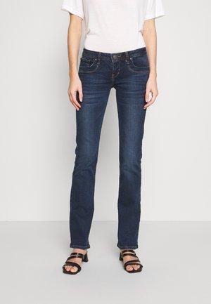 VALERIE - Bootcut jeans - welda wash