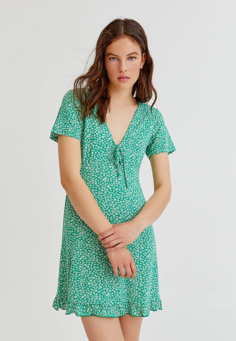 PULL&BEAR - Vapaa-ajan mekko - green