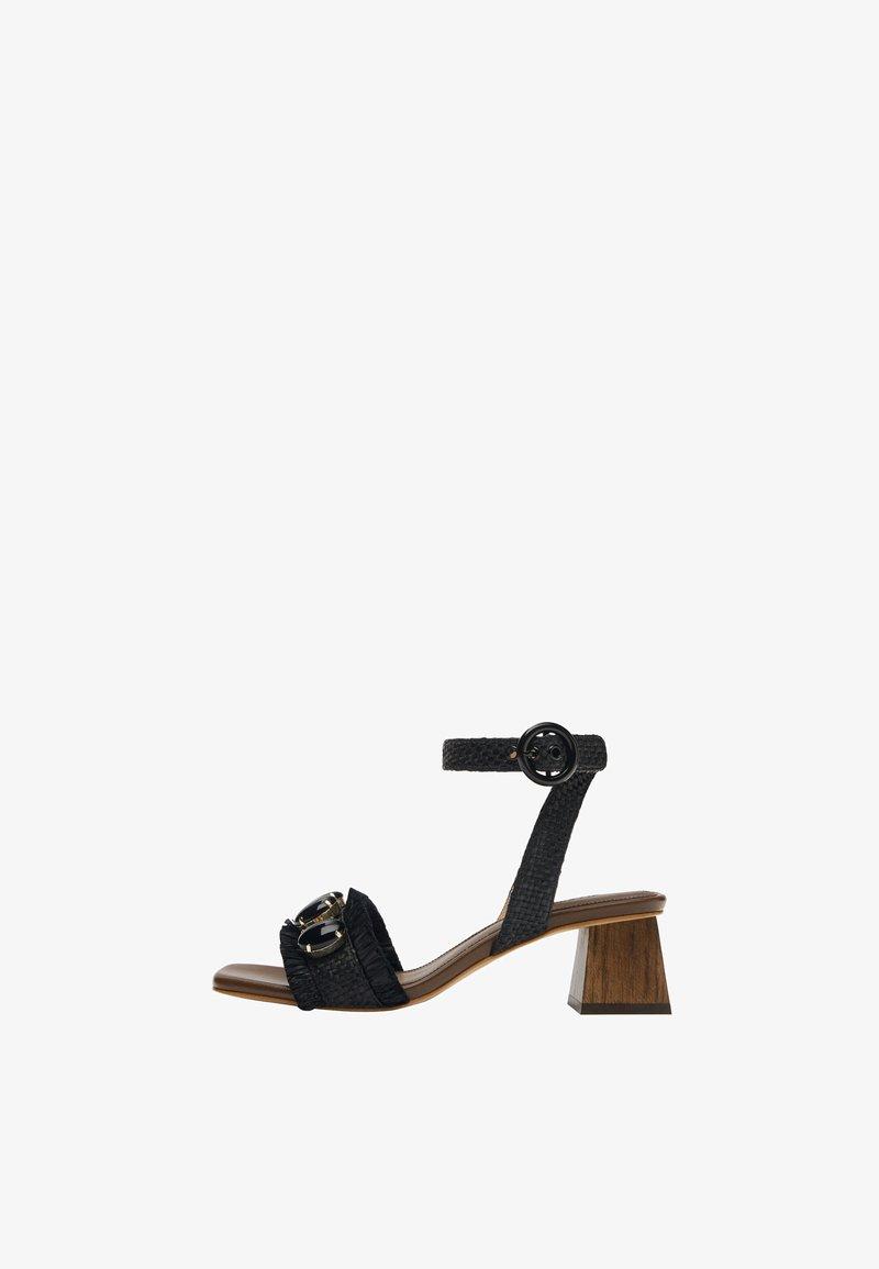 Uterqüe - RAPHIA-SANDALEN MIT SCHMUCKSTEINEN 15525580 - Ankle cuff sandals - black