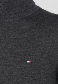 Tommy Hilfiger Tailored - FINE GAUGE LUXURY ROLL - Neule - magnet heather - 3