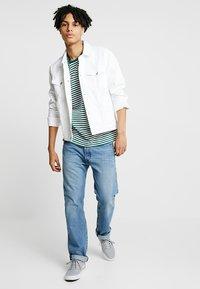 KIOMI - T-shirts print - white/dark green - 1