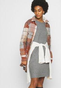 ONLY - ONLELENA DRESS - Jumper dress - medium grey melange - 3