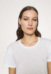 Madewell - WHISPER CREWNECK TEE - T-shirts - optic white - 3