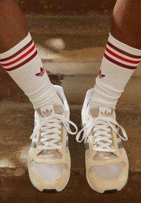 adidas Originals - ZX 500 UNISEX - Sneakers - orbit/grey four/white - 2