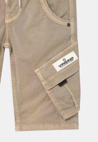 Vingino - CLIFF - Shorts - sand - 2