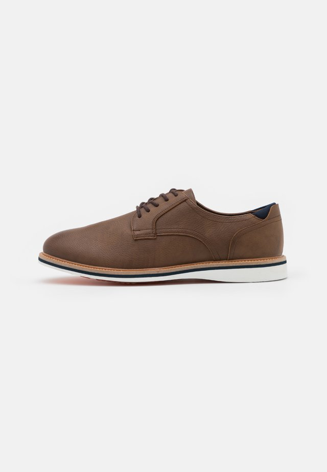 OLIRANG - Casual lace-ups - light brown