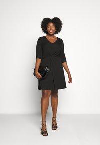CAPSULE by Simply Be - TWIST FRONT SWING DRESS - Žerzejové šaty - black - 1