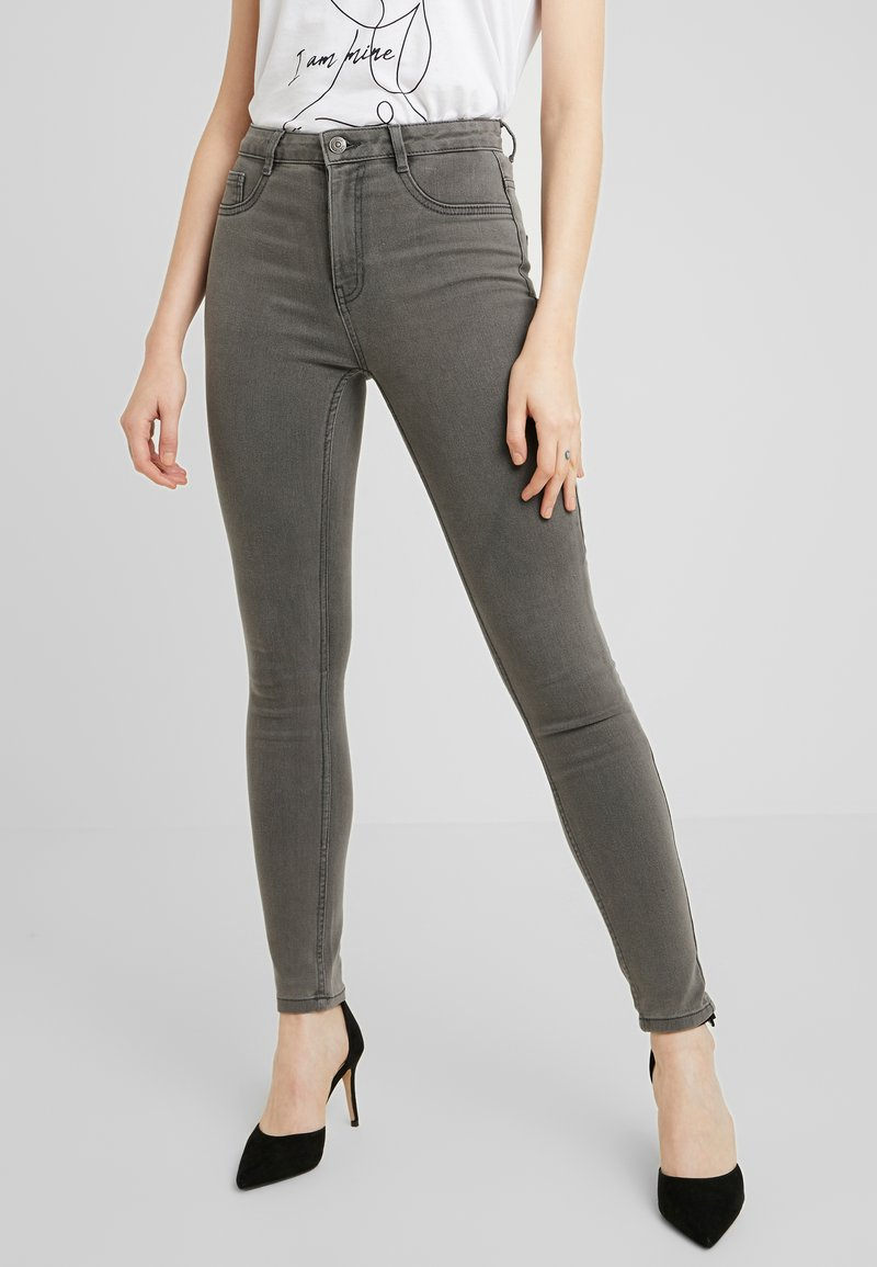 ONLY - ONLFHI MAX LIFE BOX - Jeans Skinny Fit - grey denim