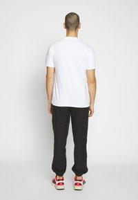 Carhartt WIP - SWIM - Print T-shirt - white/submarine - 2