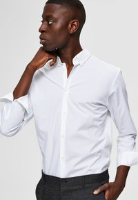 Selected Homme - SLIM FIT - Camicia - bright white - 4