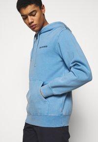 Han Kjøbenhavn - CASUAL HOODIE - Sweatshirt - faded blue - 3
