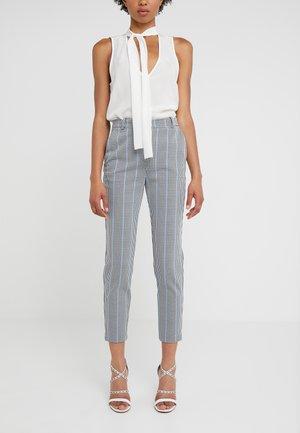 BELLA PANTALONE - Spodnie materiałowe - multi/bianco/nero/bluette
