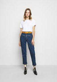 CLOSED - Basic T-shirt - white - 1
