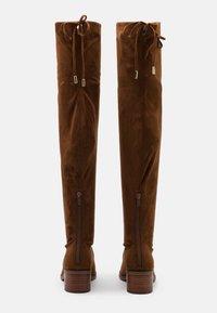 Steve Madden - GERARDINE - Kozačky nad kolena - brown - 3