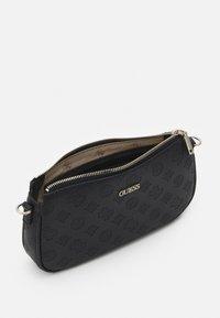 Guess - DAYANE DOUBLE POUCH CROSSBODY SET - Handbag - black - 2