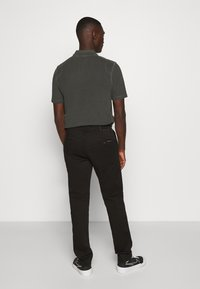 Nudie Jeans - EASY ALVIN - Chino kalhoty - black - 2
